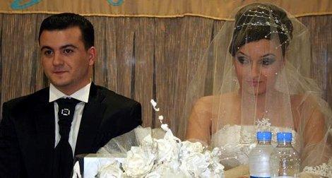 Gençlere çifte düğün