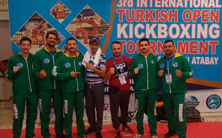 kick5.jpg