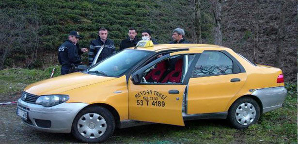 taksi_soforu_aracinda_oldur.jpg